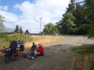 Making sangas on the side of the road near Ilwaco, OR