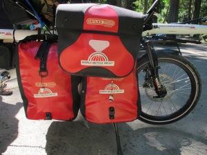 The handle bar bag on the mount