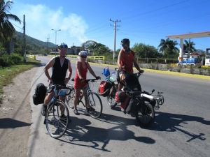 We met this couple from England, enroute to Valladero