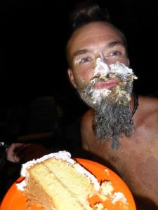 Cake in the face, a birthday classic!