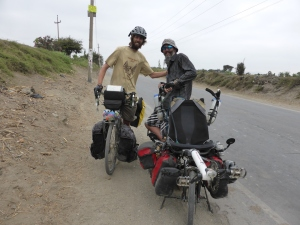 We met American cyclist Matt on the road to Chimbote and had a yarn on the side of the road for about an hour. Top bloke