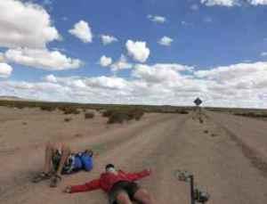 Bremma - Bolivia Atacama lying on road