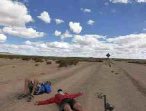 Bremma - Bolivia Atacama lying on road