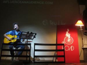 Kev doing his presentation in Guadalajara, Mexico